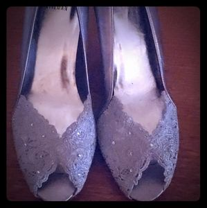 STUART WEITZMAN Womens Silver Lace Leather Peep To